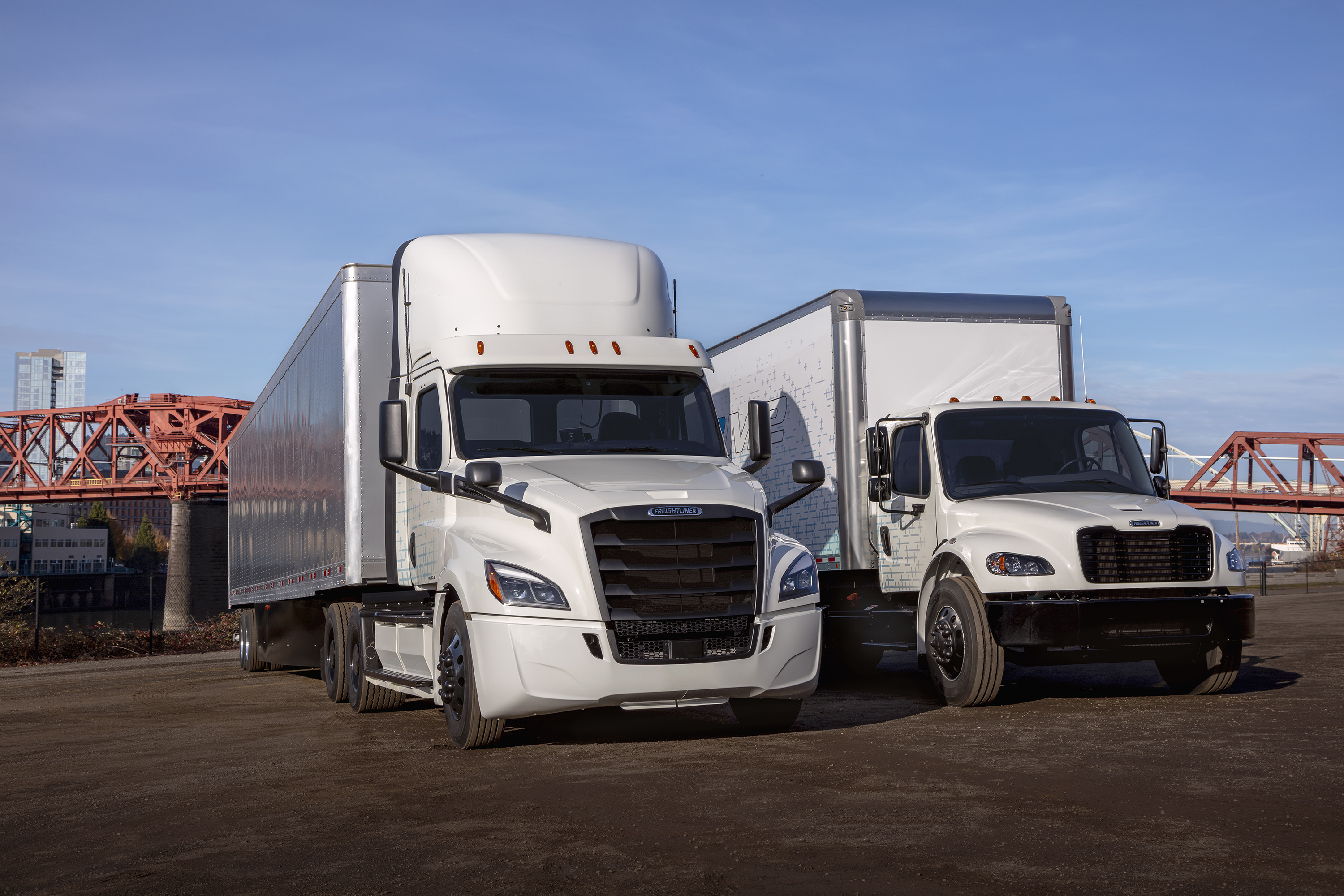 Freightliner eM2 Electric Truck and eCascadia Truck