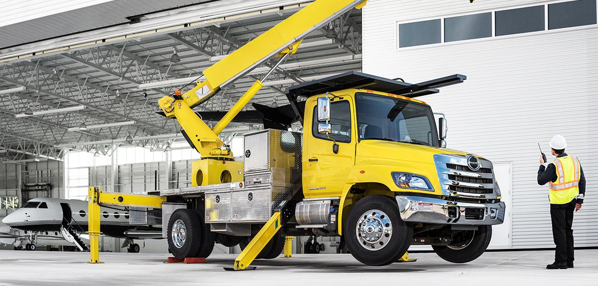 2018 Hino 338 Truck