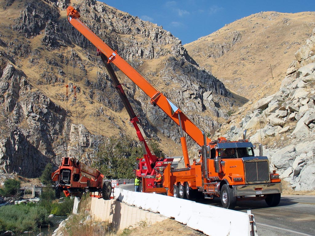 Western Star 4900 tow recovery Truck