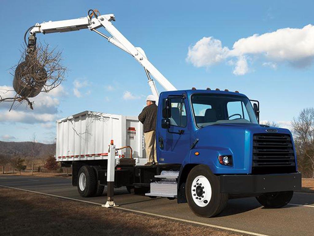 Freightliner 108SD Crane Truck