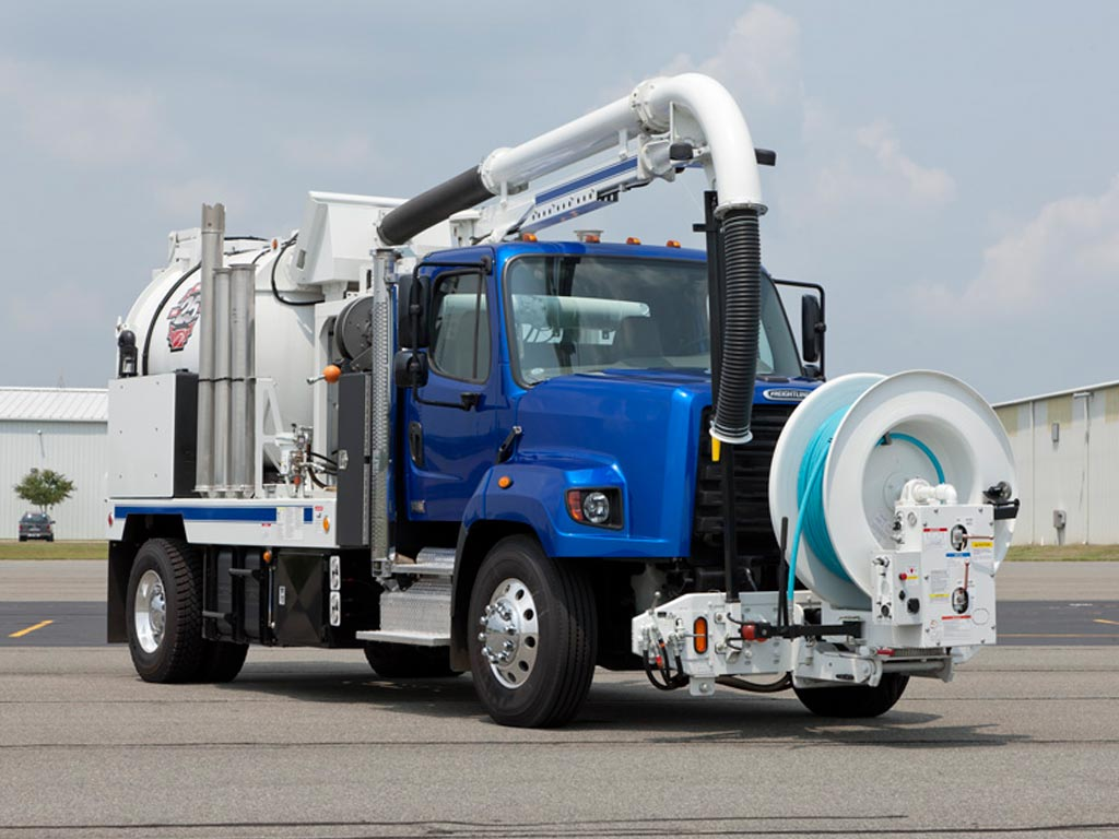 Freightliner 108SD Sewer Truck
