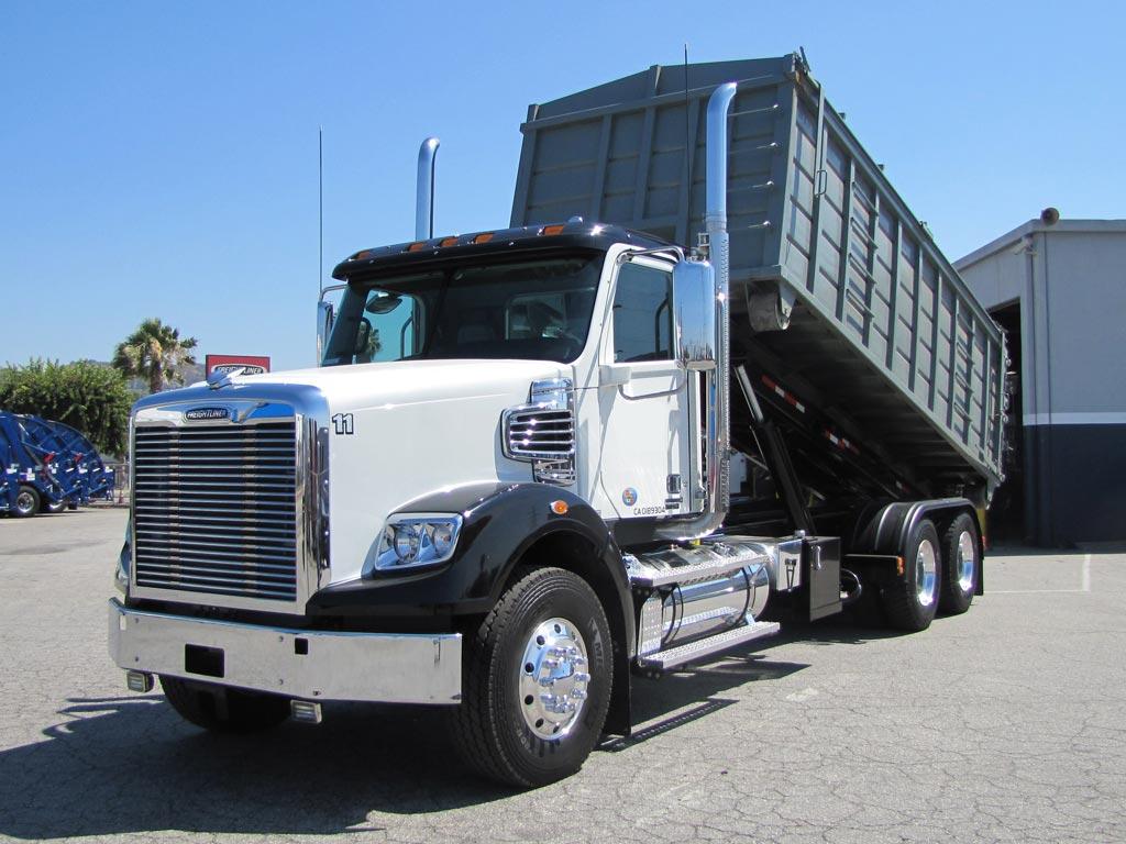 Freightliner 122SD Dump Truck