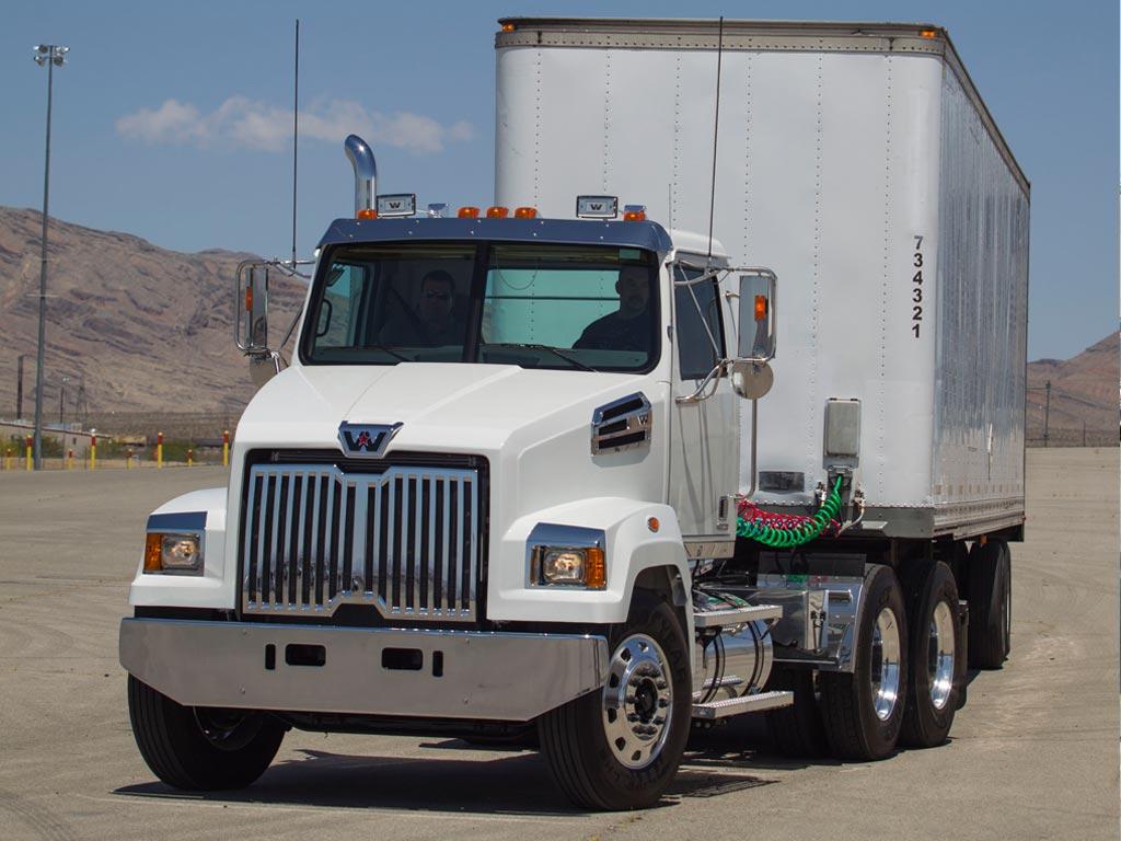 Western Star 4700 Daycab Truck