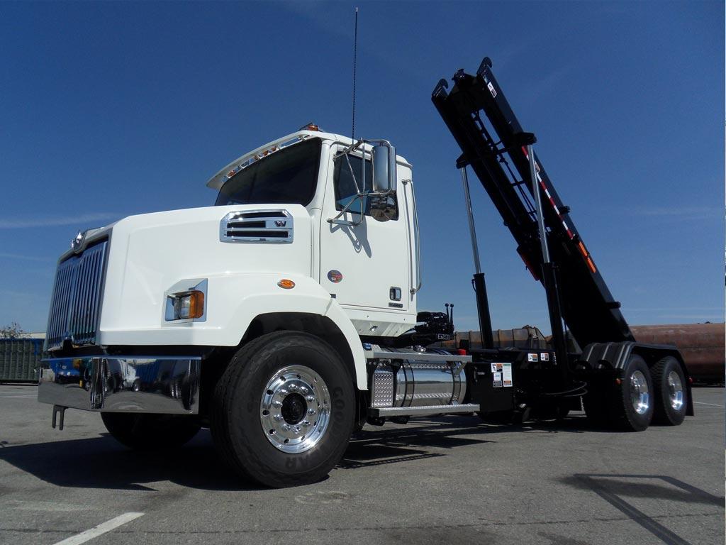 Western Star 4700 Rolloff Truck
