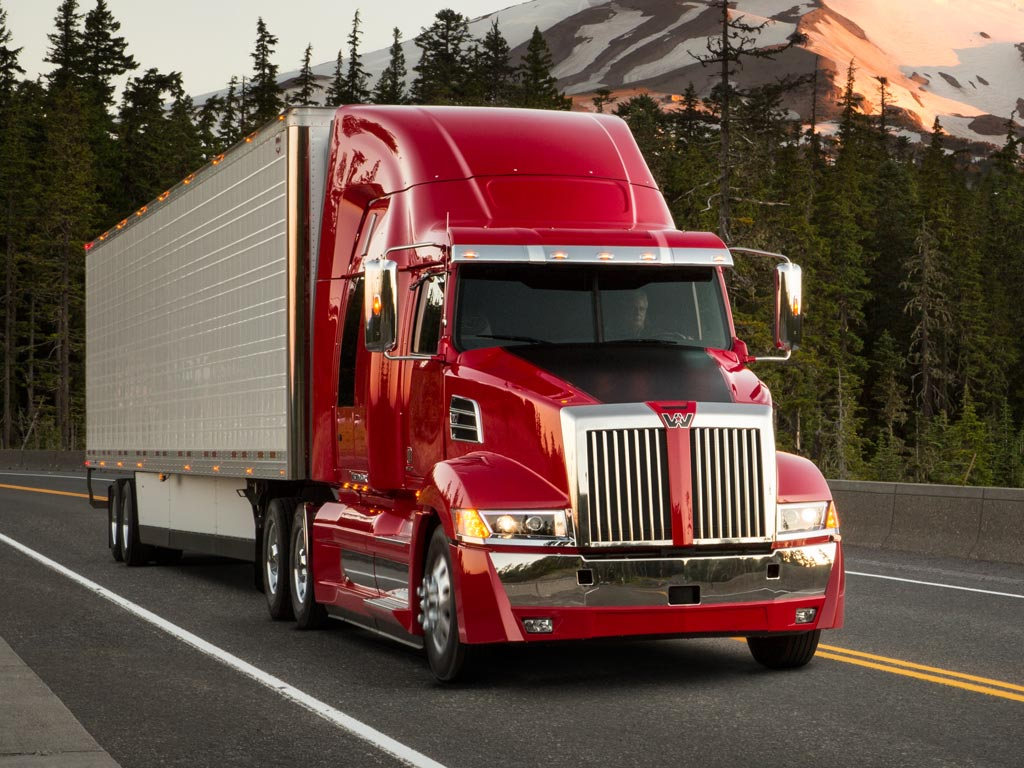 Western Star 5700xe Trailer Hauler Truck