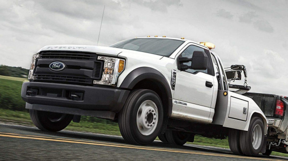 Towing & Recovery Trucks - Ford Cab and Chassis Truck