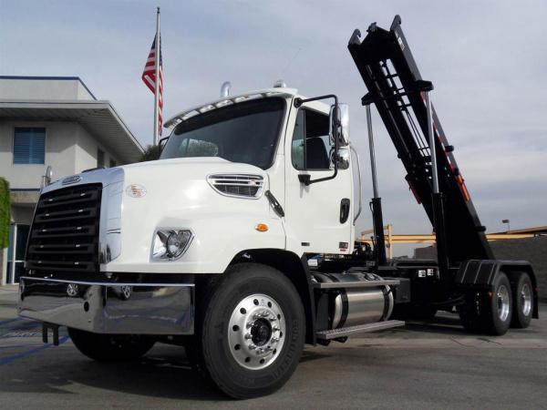 Freightliner 114sd Rolloff Truck