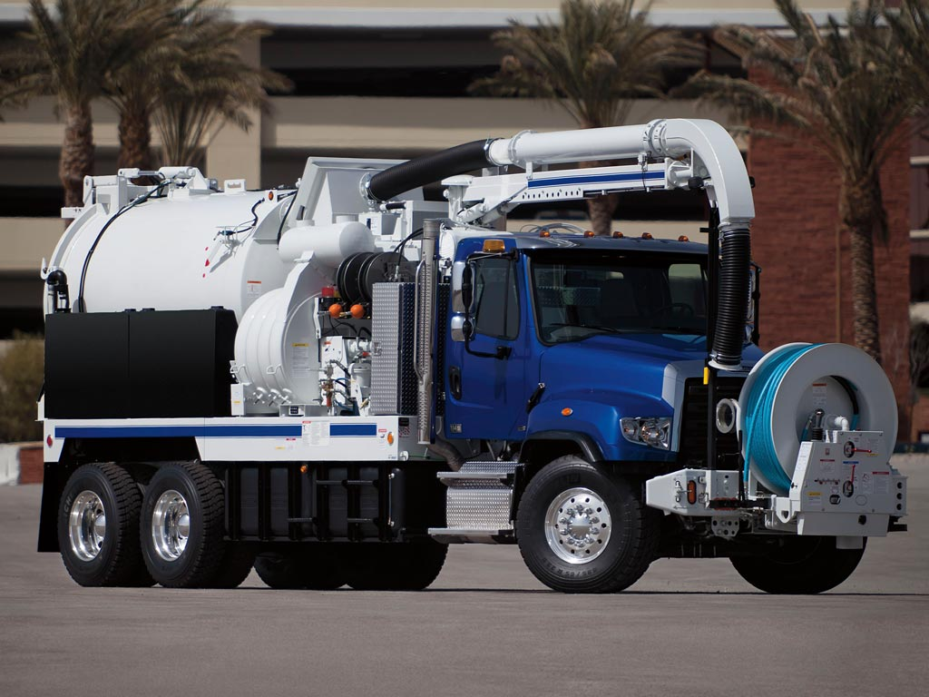 freightliner 114sd sewer truck